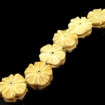 Knochenperle Blume, ca. 12 x 6 mm