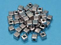 Würfel, ca. 4 mm, silberf., 50 Stück, Metall