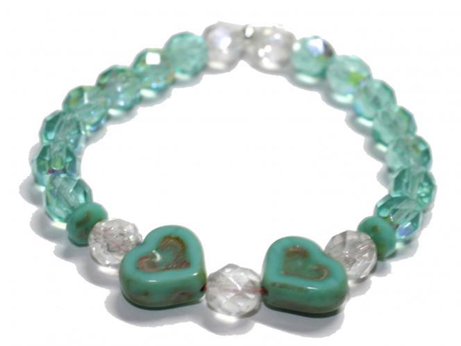 Armband mit Herz aus böhmischen Glasschliffperlen